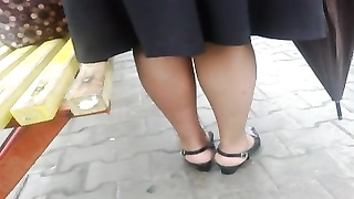 rapid/fast upskirt at the bus stop. Thumb