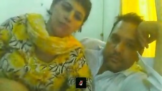Pakistani husband & wife (Part 1) Thumb
