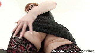 British milf crimson  works her sweet matured cootchie Thumb