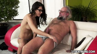 Geek chick Carolina loves to poke  cougar men Thumb