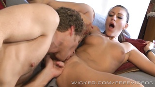 Rilynn Rae gets seduced by new BF Thumb