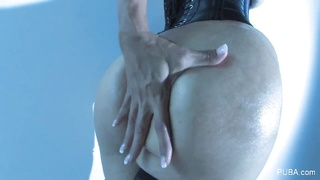 Dana Vespoli taunts  you with her perfect assets Thumb