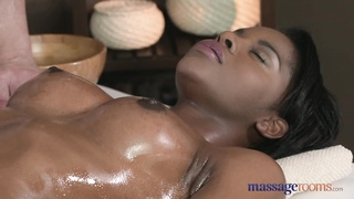 rubdown  Rooms dark skinned queen  squirts Thumb