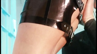 Police chick in latex wants two Thumb