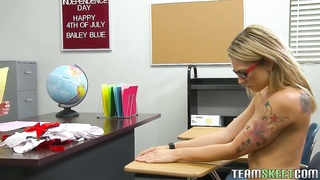 blonde college lady blowing and screwing her teacher Thumb