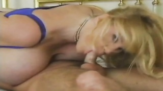 blondie mummy  with large knockers having beaver breakfast Thumb