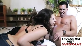 Euro honey  gets torn up in her tight denims Thumb