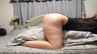 Lustful amateur honey  taunts  by riding her pillow Thumb