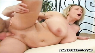 A big-boobed blonde fledgling girlfriend homemade hardcore activity with deep throat, titjob and p Thumb