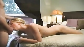 Sexy young blonde has terrific amateur sex in bed Thumb