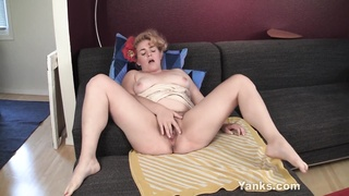 BBW hoe Poppy fingering Her furry snatch Thumb