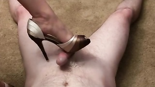 Footjob with peeptoe highheel Thumb