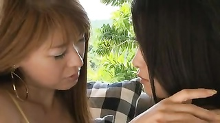 MAI and RYU lesbo kiss Thumb