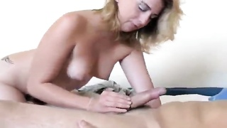 He squirts a load on her ass after good sex Thumb