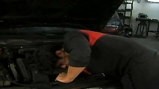 Car Broken-German sweethearts  pay mecanic with assfuck Thumb