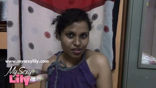 Indian honey  Lily South amateur BigTits Thumb