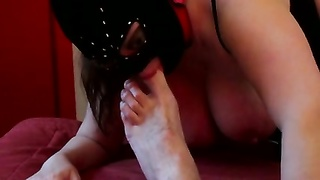 Session number 17: slave licking my feet Thumb