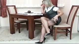 voluptuous  lady IN BROWN STOCKINGS Thumb