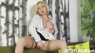 voluptuous  housewife gets railed by her neighbor Thumb