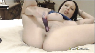 Busty Milf in a hot webcam pussy toying show Thumb