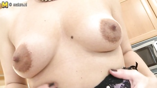 Hot real mom next door hungry for fuck Thumb