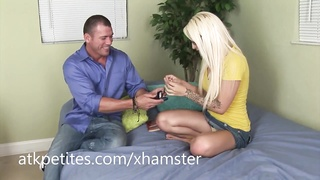Stevie Shae Gets Her Hot Pussy Railed Thumb
