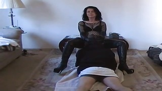 Dominant wife makes him worship her pussy Thumb