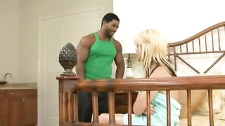 White housewife invites a black stud over for hardcore Thumb