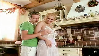 Curvy natural housewife foreplay in kitchen Thumb
