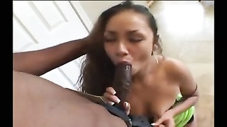 Latina wife at home and her black lover fuck Thumb