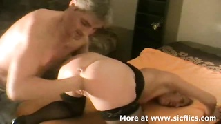 Extreme amateur wife is brutally fist fucked by her husband till she screams in orgasm Thumb