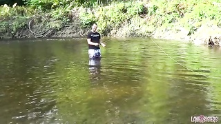 Fly fishing dude gets a blowjob from his girlfriend Thumb
