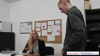 Chesty babe Holly Heart gets nailed in office Thumb