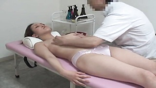 Voyeur Video of wife beeing seduced during a massage in a clinic in Osaka. Thumb
