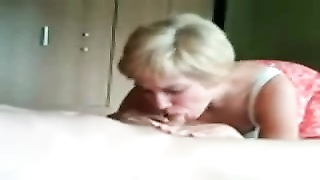 Blonde amateur wife blowjob and fuck Thumb