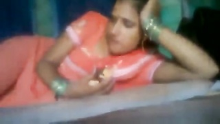 INDIAN - Bhabhi in Train Thumb