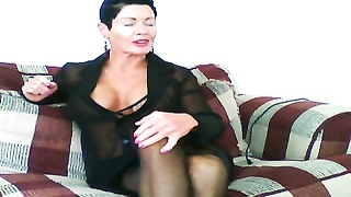Mature MILF With Muscles On Webcam Thumb