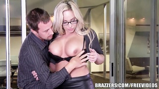 Brazzers - Hardcore office threesome Thumb