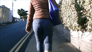 Candid big butt milf in tight jeans Thumb