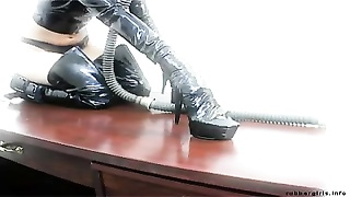 Slave Girl -  rubber lust Thumb