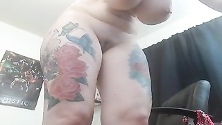 Tattooed girl using machine fuck Thumb