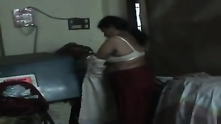 Indian Busty Aunty undressed and Show her NUDELY for filming Thumb