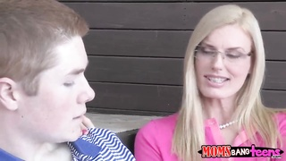 Jake Taylor is blown by a MILF Goddess .... Thumb