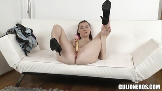 Kattie Gold penetrates her pussy and gets a dick in the mouth Thumb