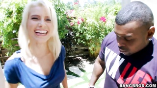Anikka Albrite sucks a big, seaty black cock Thumb