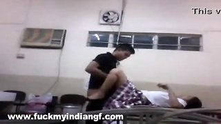 indian sex video college girl fucked by her boyfriend in laboratory mms Thumb