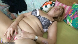 Oldnanny granny masturbates with fat mature using toys Thumb