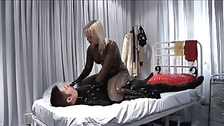 Breath Play In Latex And Pvc Thumb