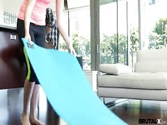 Yoga loving stepsis creampied by brother Thumb