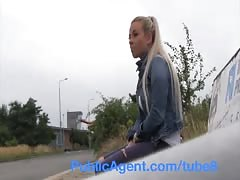 PublicAgent Sexy blonde has sex with stranger in his car Thumb